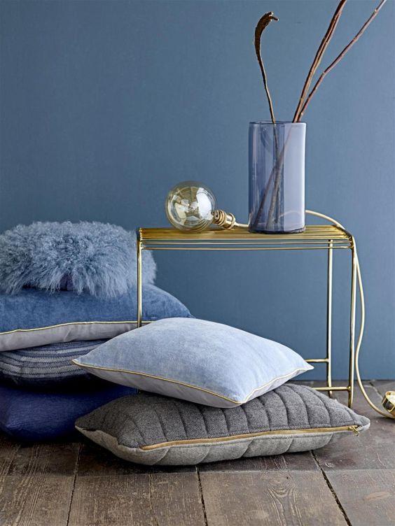 Niebieski i złoty w dekoracjach