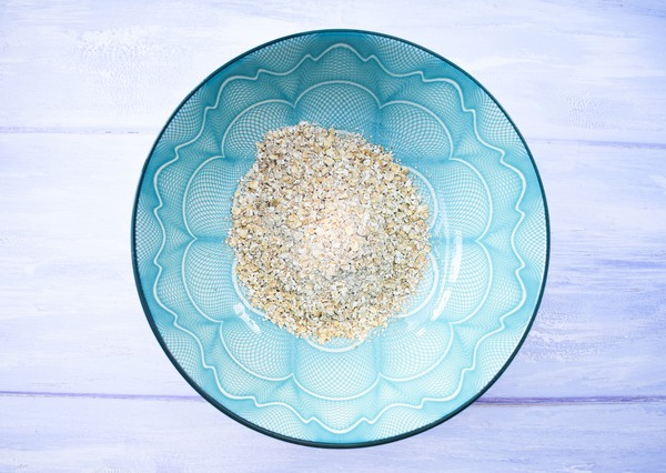 porridge oats in a blue patterned bowl