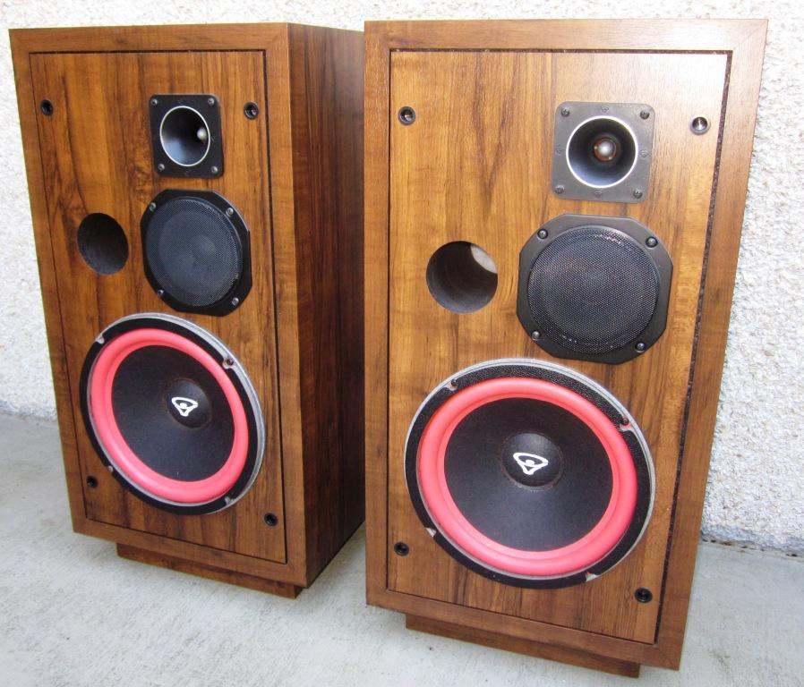 Speakerholic: Cerwin Vega D3 Speakers