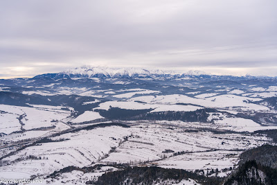 Widok na Tatry z kulminacji Trzech Koron