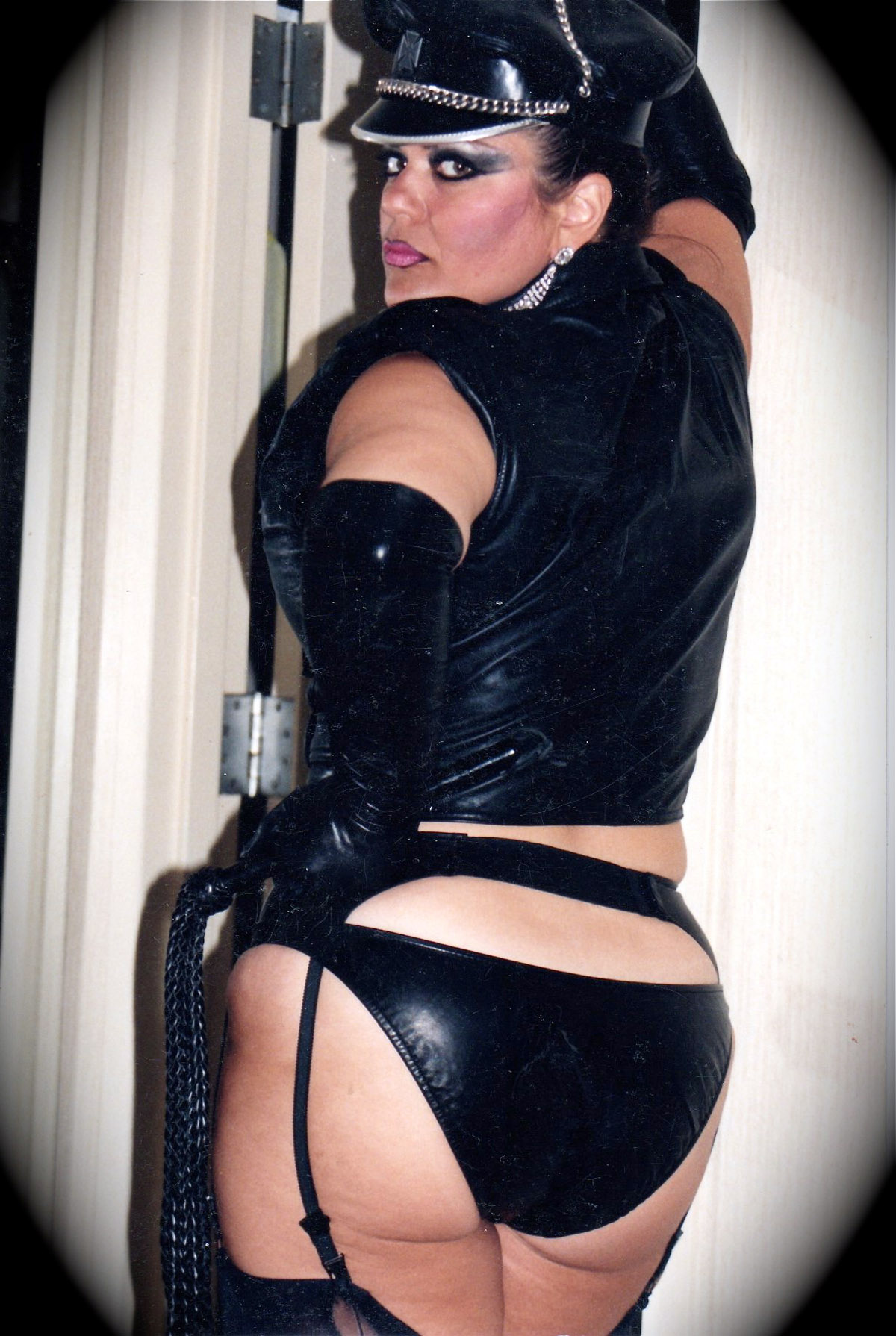 Leather Femdom  Latex Mistress  Leather Dominatrix -1998