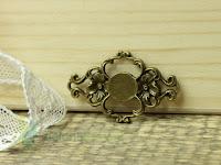 http://zielonekoty.pl/pl/p/ornament-metal-4%2C2cm-klamerka/807