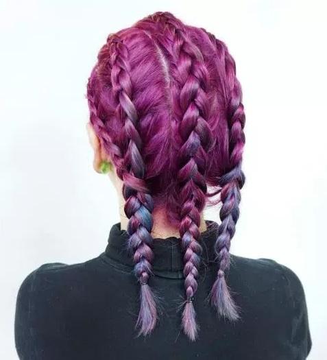 gaya rambut semir warna merah kepang wanita