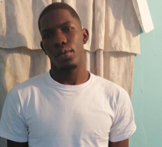 Apresan hombre acusado de matar uno y herir otro por puntos de drogas en Manoguayabo