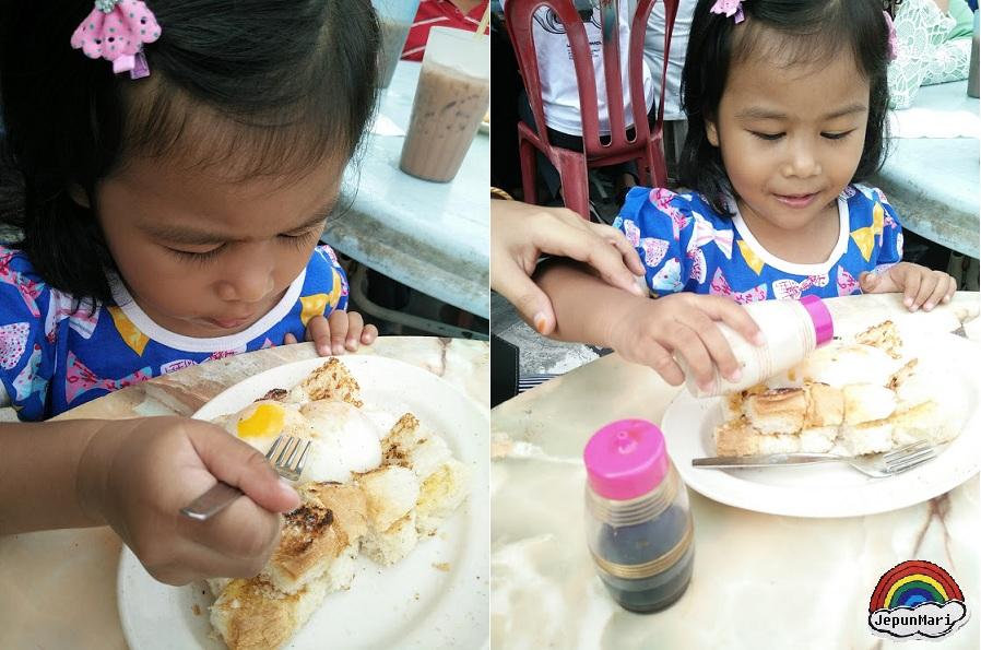 Roti canai ayam dan roti bakar  telur goyang Transfer Rood