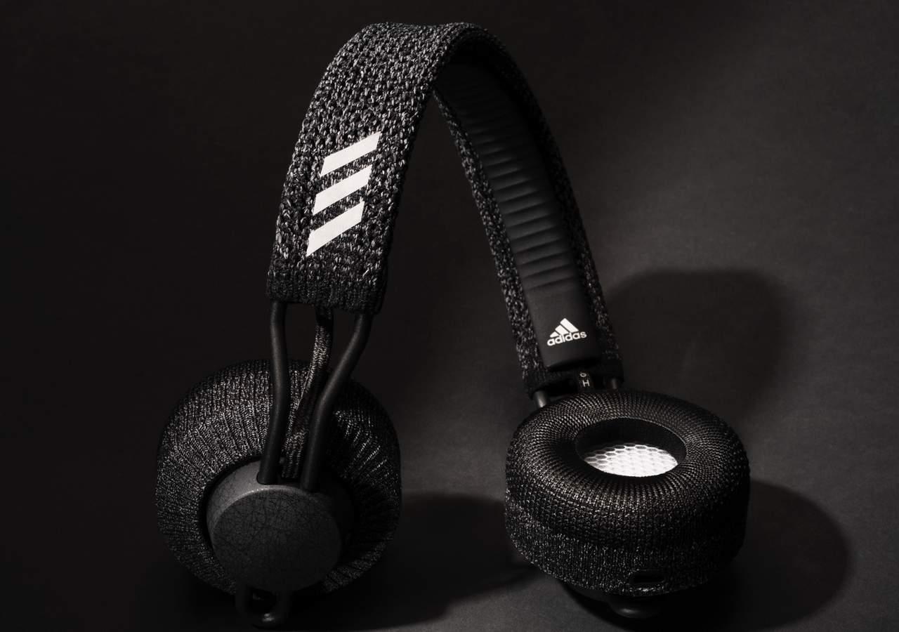 Headphone wireless Adidas RPT-01 sangat lentur (adidasheadphones.com)