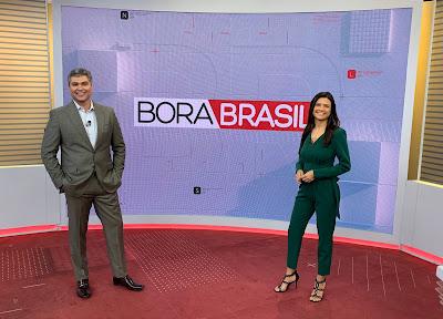 """Joel Datena e Thaís Dias apresentam o """"Bora Brasil"""" de segunda a sexta-feira - Divulgação/Band"""