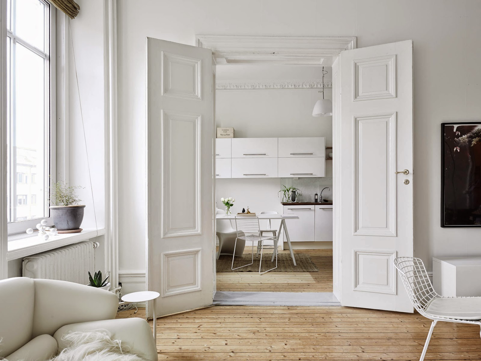white bertoia side chair bedroom manufacturers my scandinavian home: a fabulous swedish apartment in neutrals