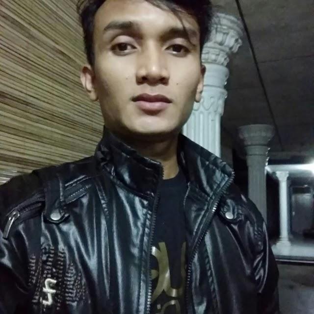 """Ridwan Chusnuson, Pengusaha Muda """"Sablon Kaos"""" Yang Suka Melukis dan Bermusik"""
