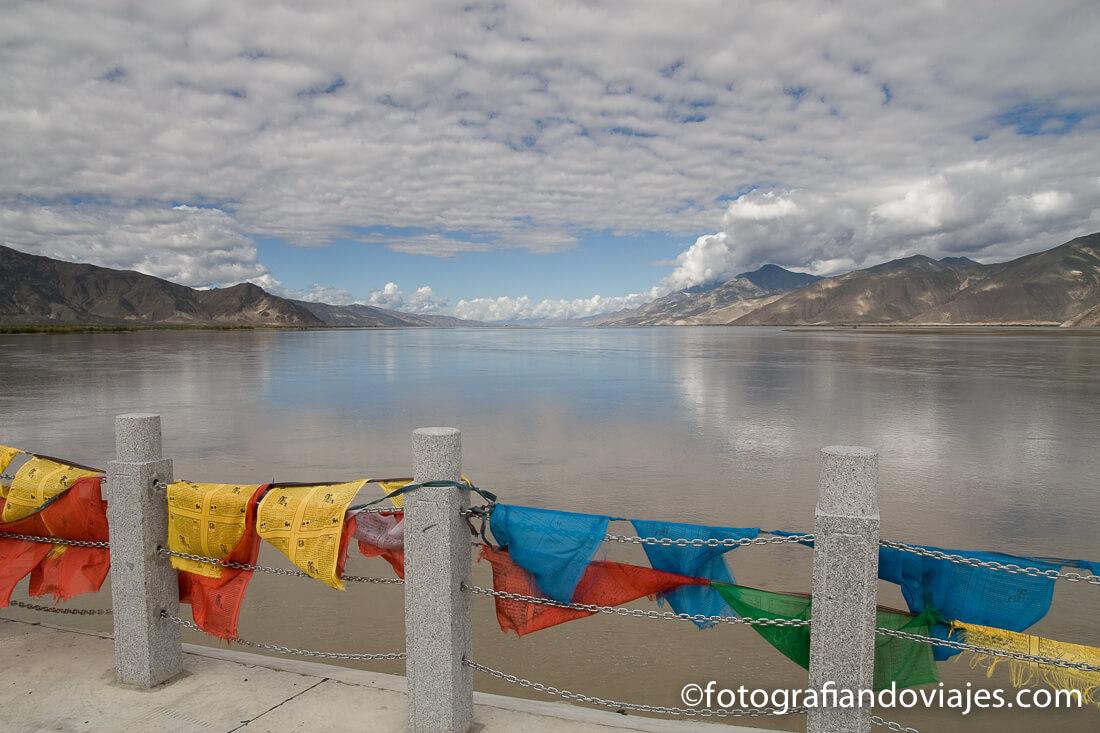 río Yarlung Tsangpo Tibet Samye