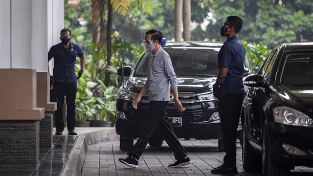 Fenomena Pengkhianatan Menteri dan Desakan Presiden Mundur Akankah Menjalar ke Indonesia?