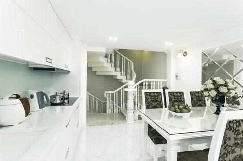 Cách thiết kế ngôi nhà đẹp, tiện nghi chỉ với 27m2