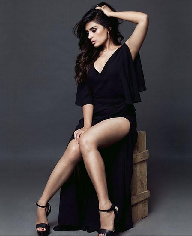 Actress RichaChadda Latest Images