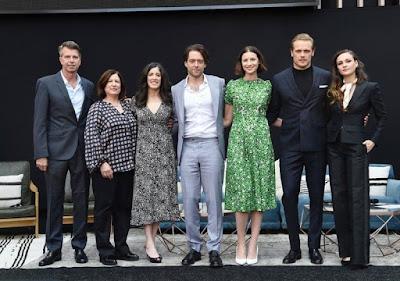 Los actores de Outlander y Maril Davis en el evento FYC