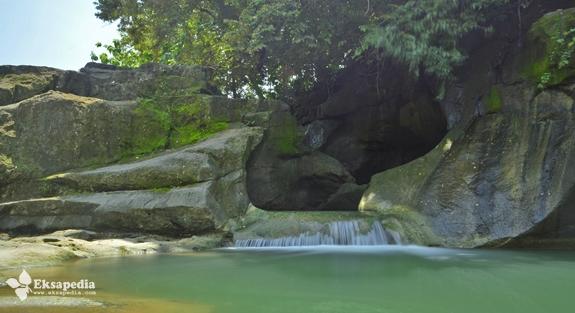Cantiknya Air Terjun Kedung Goro
