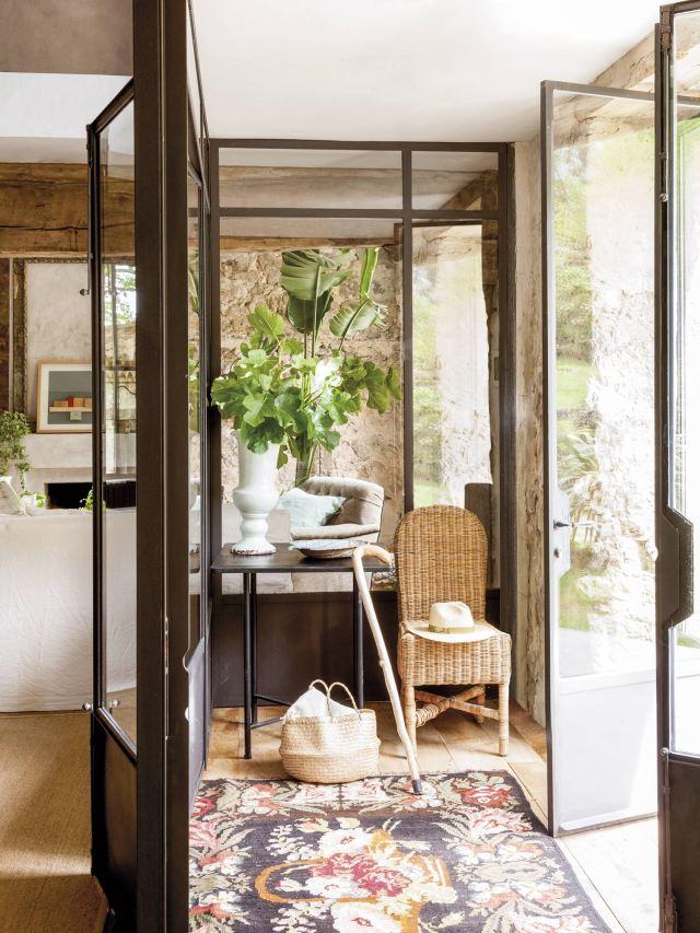 Una splendida casa di campagna ricavata da una stalla