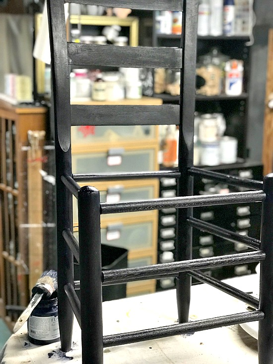Painting a vintage chair with Fusion Mineral Paint