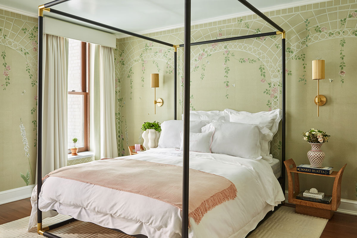 Décor Inspiration: A Romantic Upper East Side Townhouse Bedroom by Ariel Okin