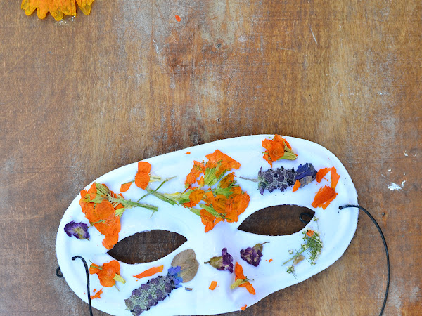 How to Press Flowers in the Microwave and Make a Flower Mask