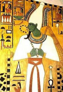 Figura egípcia representado Osíris, deus da vida após a morte.