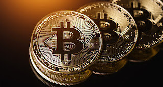 Bitcoin sinks below $ 6,000