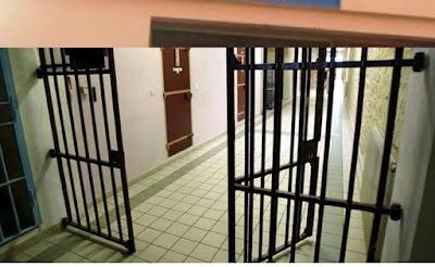 إعفاء مدير سجن وتوقيف موظفين لإطلاق تاجر مخدرات بناء على وثيقة مزورة