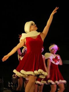 As Noelas Vermelhas, Simplesmente Natal, Canela