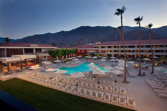 The Hilton Palm Springs hotel is a desert retreat at the foot of the San Jacinto Mountains. Our hotel in Palm Springs offers full spa and airport shuttle.