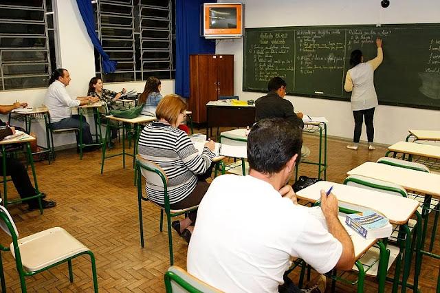 Governo do Paraná anuncia remanejamento de turmas do Ensino Médio noturno para diurno, a partir de 2020