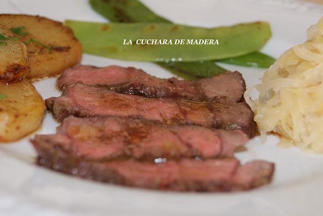 Roast Beef Con Guarnicion De Tirabeques,papas Y Chutcrut