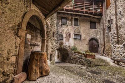 Borgo di Canale di Tenno - Trento (Gite e vacanze in Trentino)
