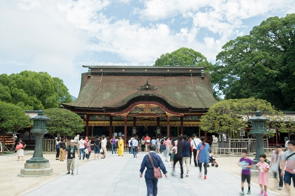 ศาลเจ้าดาไซฟุ (Dazaifu Shrine) @ www.dazaifutenmangu.or.jp