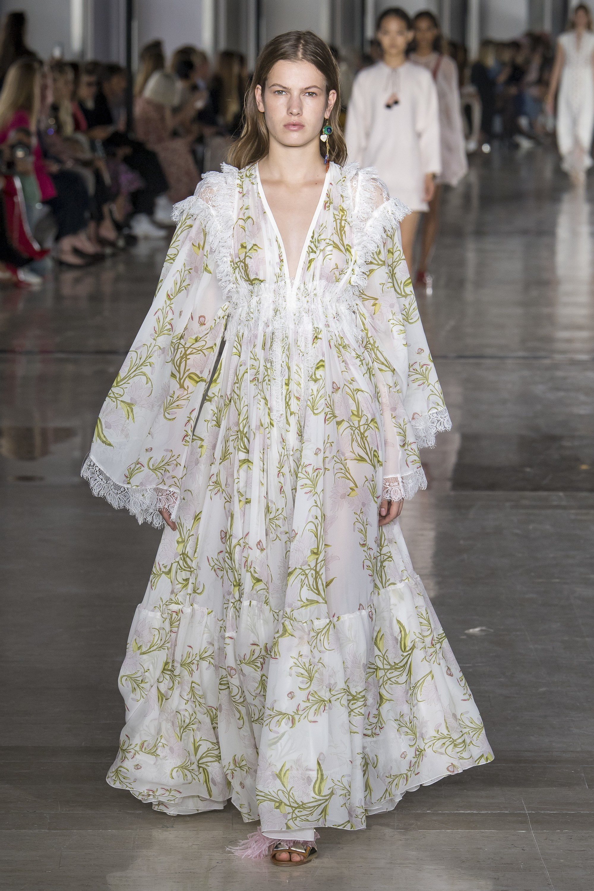 Runway | Spring 2019 Fashion Month Favourites: Chanel, Valentino & more