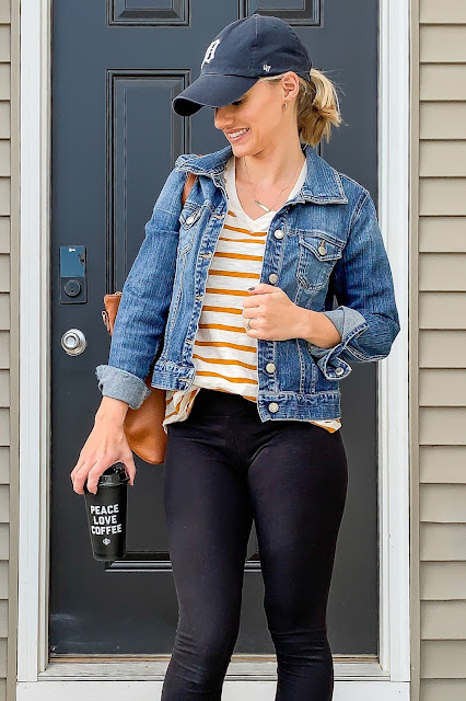 Denim jackets are my favorite fall wardrobe staple #denimjackets #fall #wardrobestaple