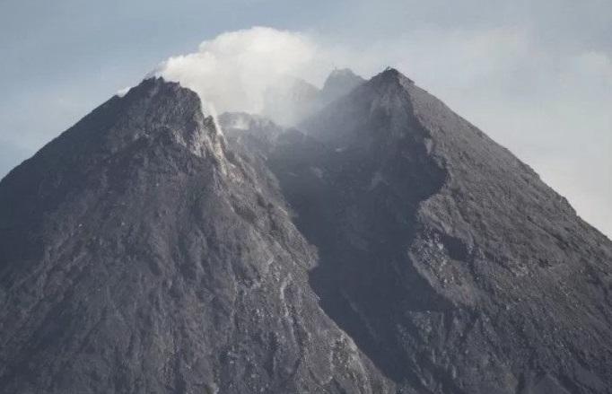 Ada Suara Gemuruh dari Gunung Merapi, BPPTKG Menaikkan Status Siaga