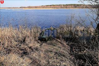 Забытая лодка на берегу Ляховичского водохранилища
