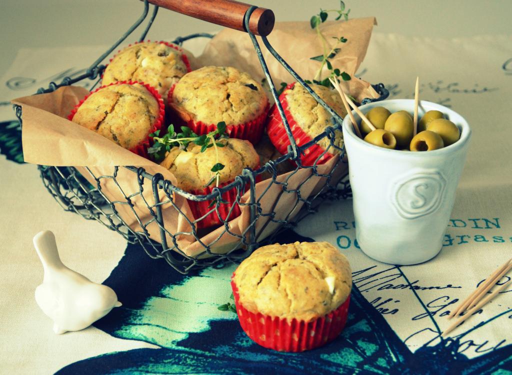 muffiny-z-oliwkami-i-fet%C4%85 Muffiny z oliwkami i fetą