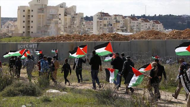 """Palestinos denuncian ante CPI """"crímenes de colonización israelí"""""""