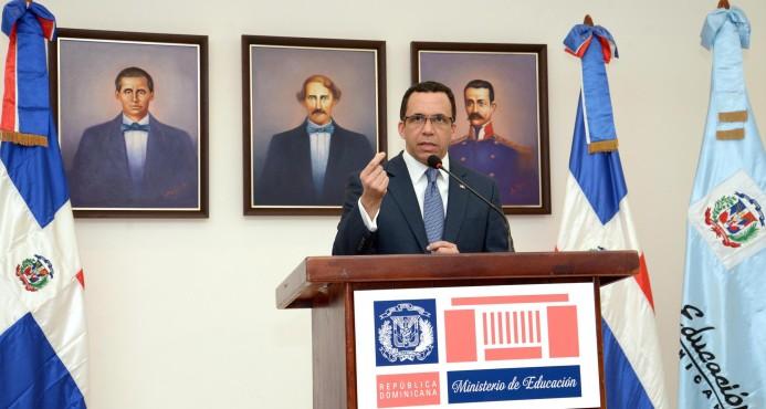 Navarro coordina con directores regionales y distritales ejecución plan de recuperación de docencia