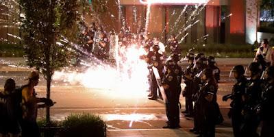 «Πόλεμος» στις ΗΠΑ: Ακόμα 3 νεκροί από αστυνομικούς