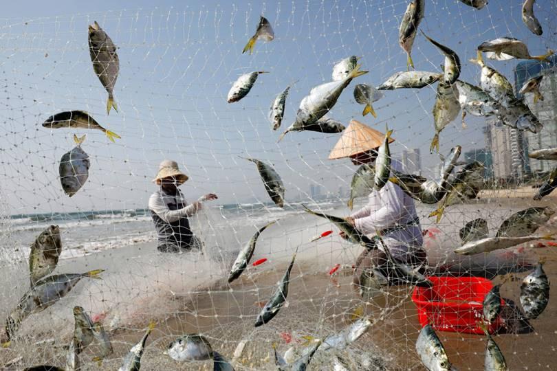 Fishermen. (Photo by Kham)