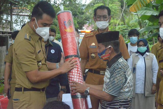 Bupati ASA Kembali Serahkan Bantuan Korban Terdampak Bencana