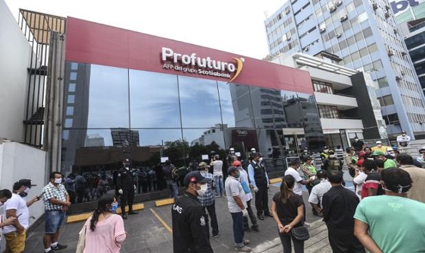 Posibilidad de retiro del 100 % de fondos de AFP afecta solvencia macroeconómica de Perú