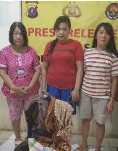 Tiga tersangja pencuri puluhan celana di toko di Kota Sibolga.