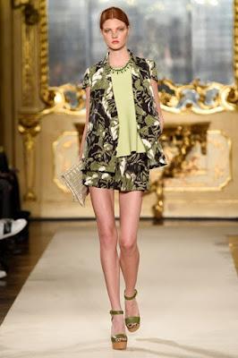 Foto della Sfilata di Vogue Stile Tropicale