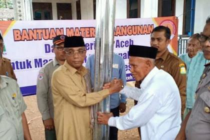 Wabup Aceh Rayek, Waled Husaini dan BPBA Aceh Bantu  Ureung Tutông Rumoh