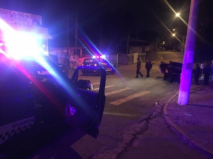Furto a residência na Granja Viana em Cotia. 05 detidos, 02 carros e objetos recuperados.