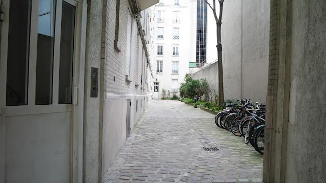Notre immeuble sur les quais de Seine
