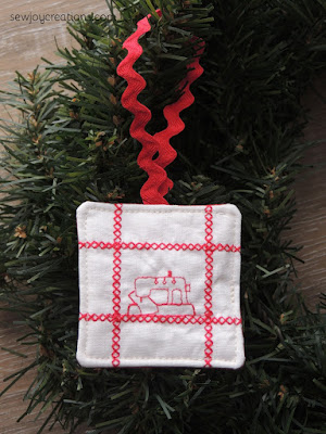 mini machine stitched ornament quilt expression 720