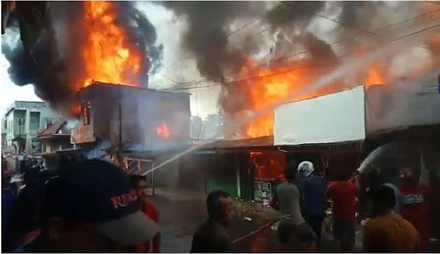Pasar Inpres Pendopo Terbakar, 7 Ruko Hangus